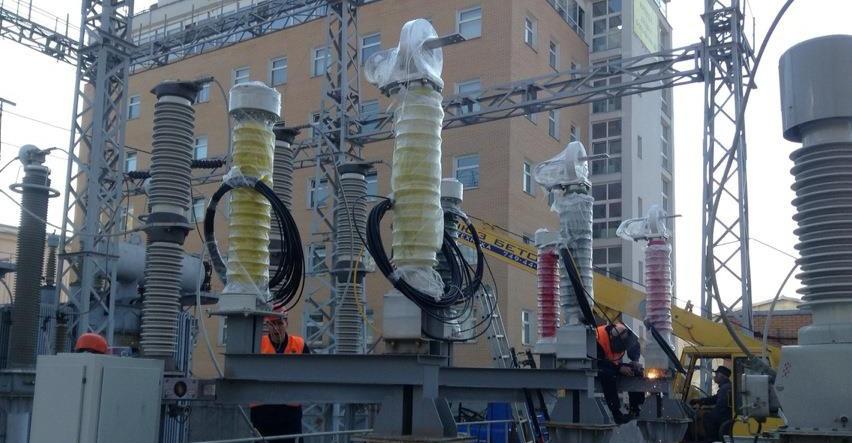 Монтаж волоконно-оптических преобразователей тока Профотек на полигоне цифровой подстанции НТЦ ФСК ЕЭС // Фото: Профотек