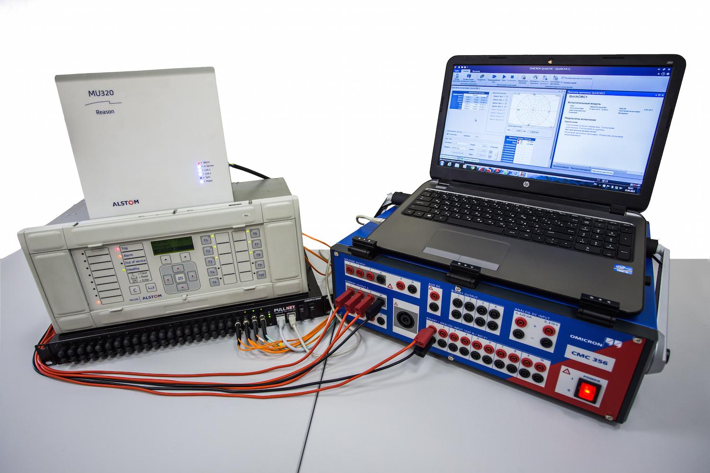 В тестировании участвовали терминал РЗА P841 с интерфейсом МЭК 61850-9-2LE и устройство сопряжения с шиной процесса МЭК 61850-9-2LE (оба – производства ALSTOM GRID).